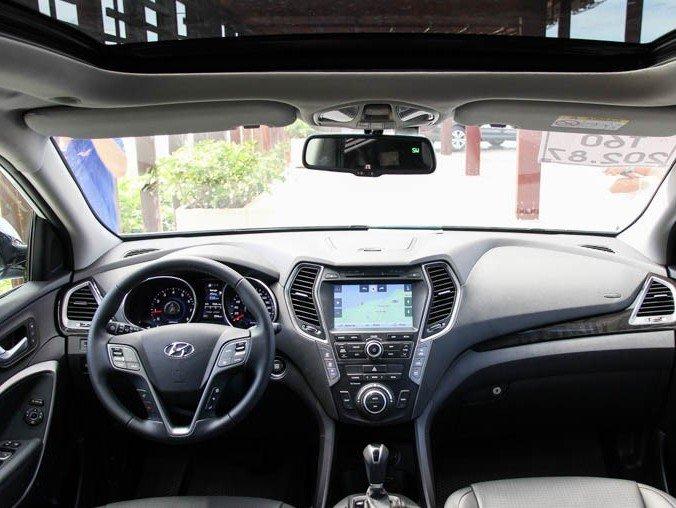 So sánh xe Mazda CX-5 2014 và Hyundai Santa Fe 2015.