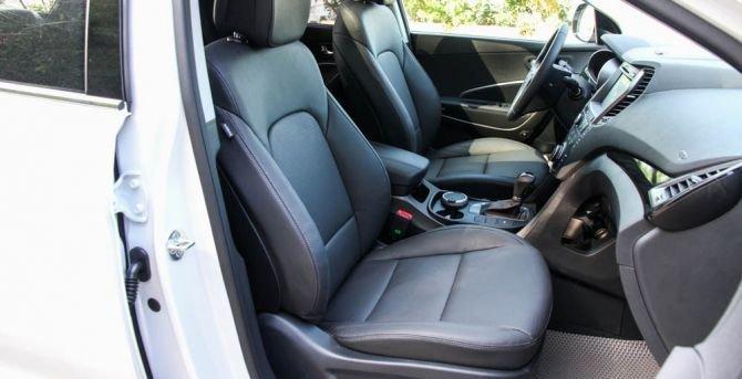 Ghế ngồi của Hyundai Santa Fe 2015 a.