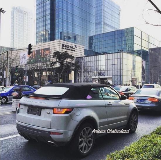 """Range Rover Evoque """"hớ hênh"""" chạy trên đường dù chưa ra mắt."""