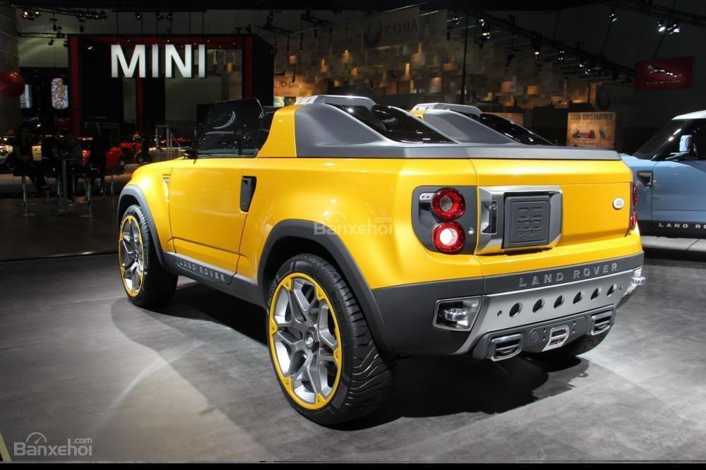 Land Rover Defender mới hoãn kế hoạch sản xuất 8