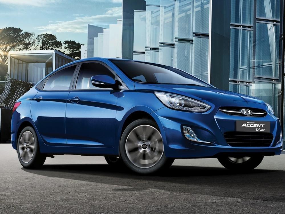Hyundai Accent Blue 2015.
