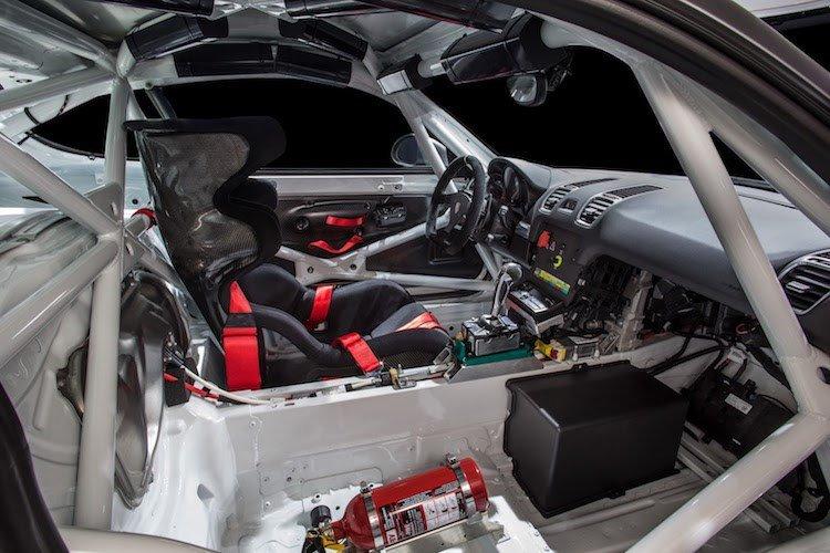 Xe thể thao Porsche Cayman GT4 Clubsport chính thức ra mắt 5