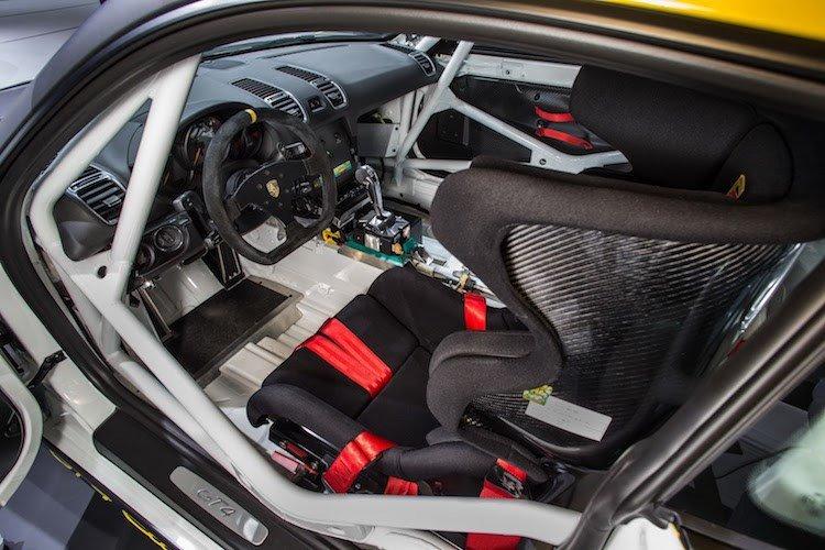 Xe thể thao Porsche Cayman GT4 Clubsport chính thức ra mắt 4