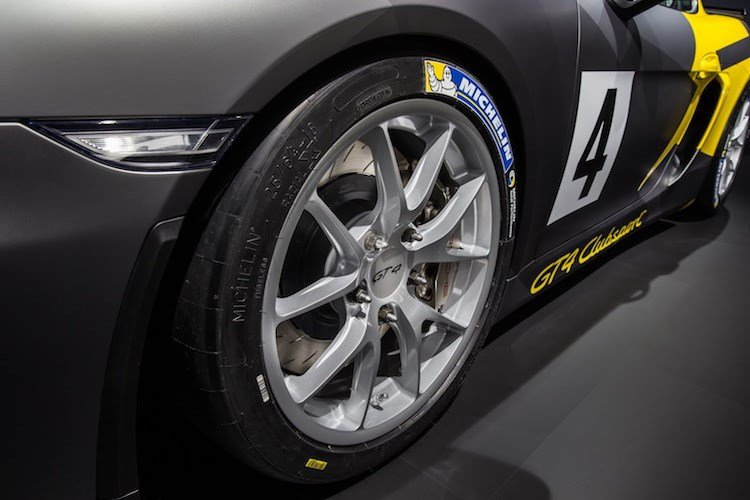 Xe thể thao Porsche Cayman GT4 Clubsport chính thức ra mắt 3