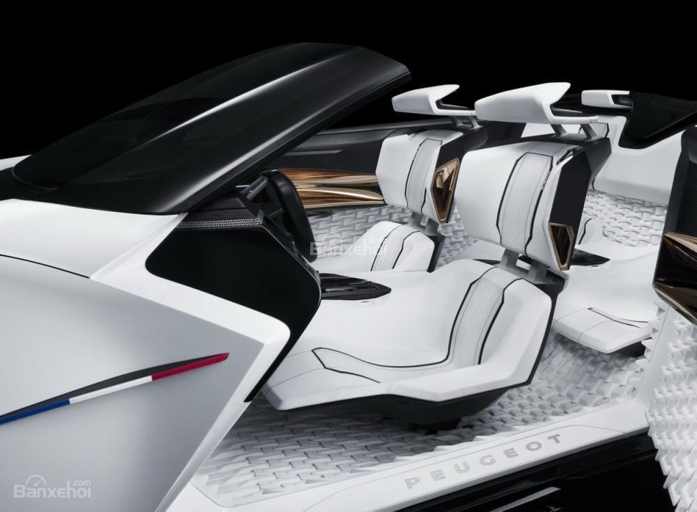 Gian trưng bày của Peugeot còn trưng bày mẫu concept Peugeot Fractal 2