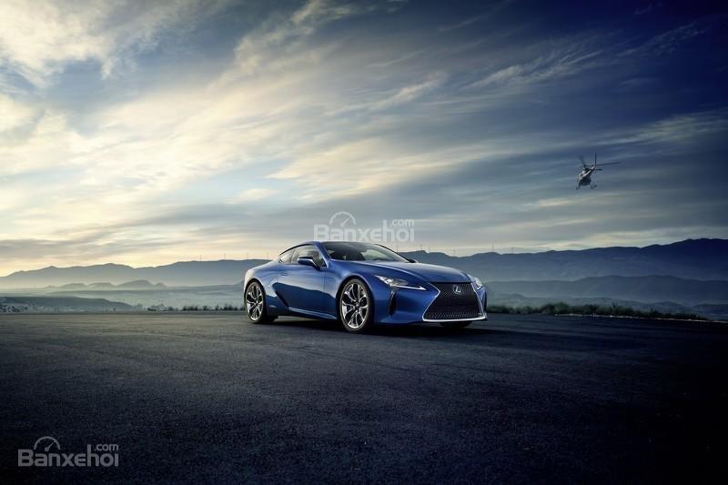 Hình ảnh chi tiết của Lexus LC 500h 2