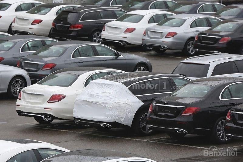 Chiêm ngưỡng Mercedes E-Class Estate gần như trần trụi 2