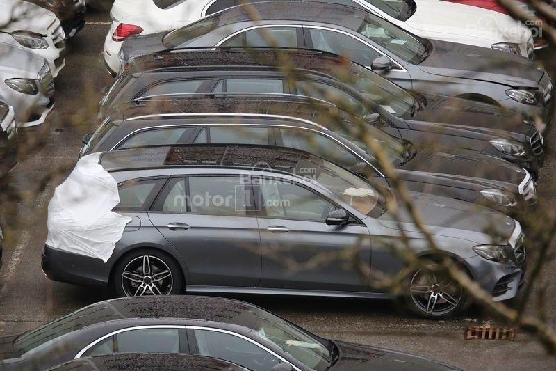 Chiêm ngưỡng Mercedes E-Class Estate gần như trần trụi 5