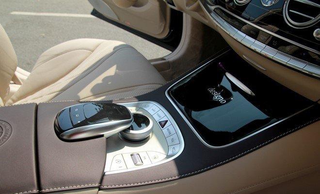 Cụm điều khiển trung tâm của Mercedes S65 AMG.