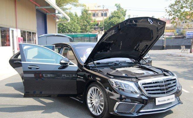 Mercedes S65 AMG được trang bị nhiều hệ thống điện tử hiện đại.