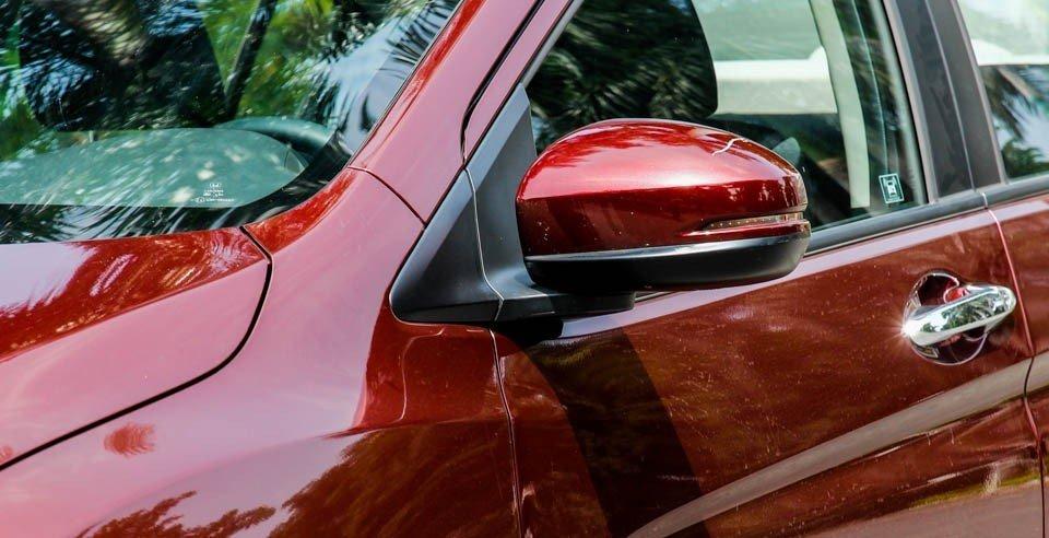 Honda City 2016 sử dụng gương chiếu hậu chỉnh, gập điện.