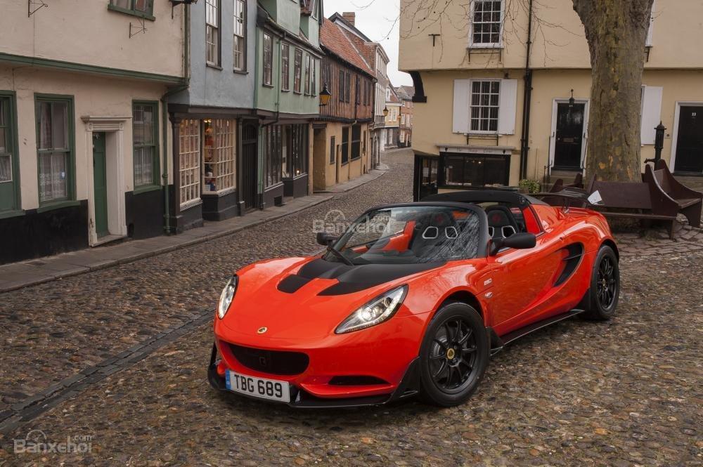Lotus trình làng hai mẫu xe mới tại triển lãm Geneva 2016 2