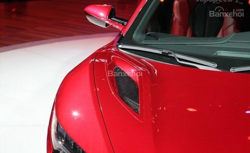 Đánh giá xe Acura NSX 2016: Ngay phía trên nắp ca pô