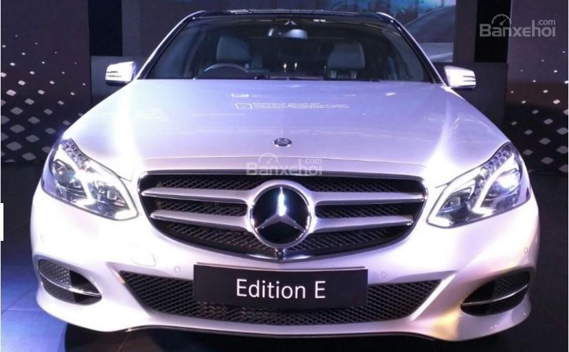 Mercedes-Benz E-Class giới hạn số lượng giá hơn 1,5 tỷ đồng tại Ấn Độ.