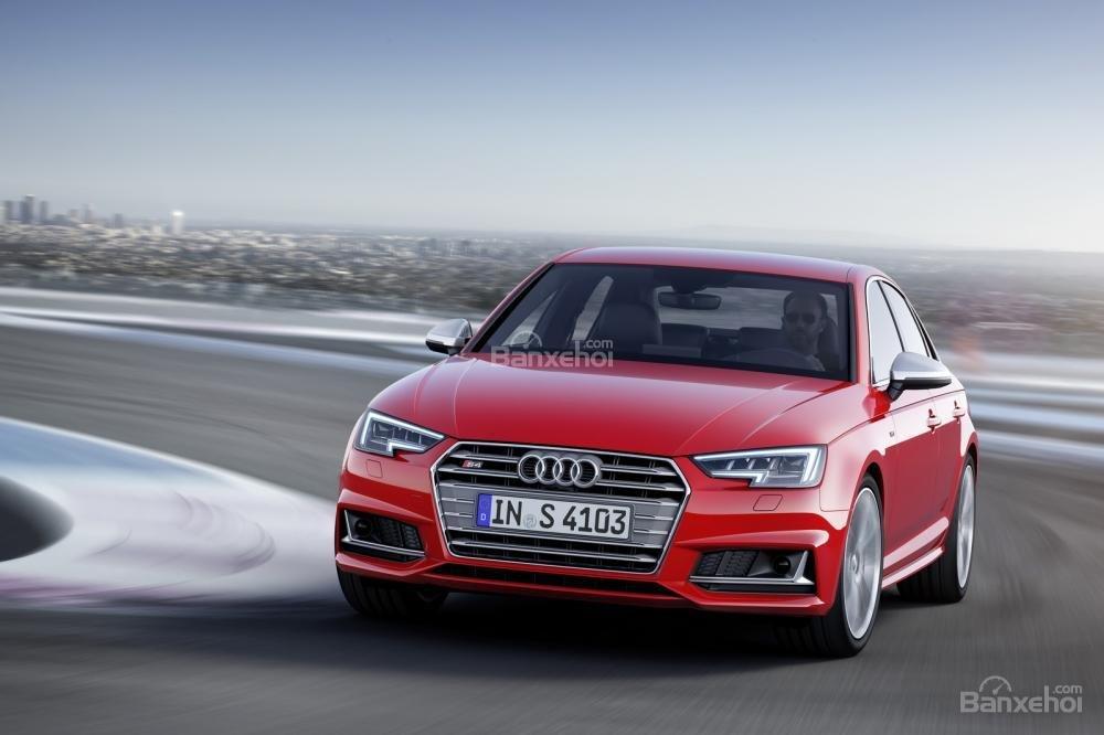 Audi S4 sedan sẽ có giá từ 59.300 euro (khoảng 65.300 USD) tại thị trường Châu Âu.