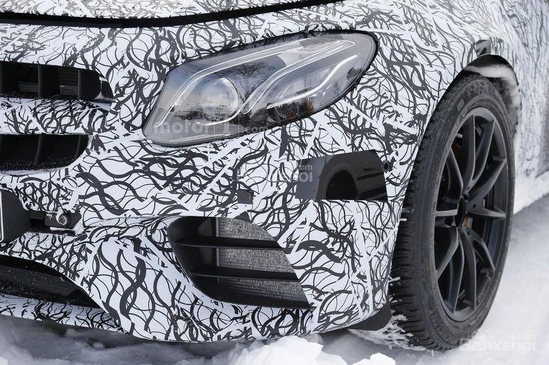 Soi chi tiết Mercedes-AMG E63 trên đường thử nghiệm 4