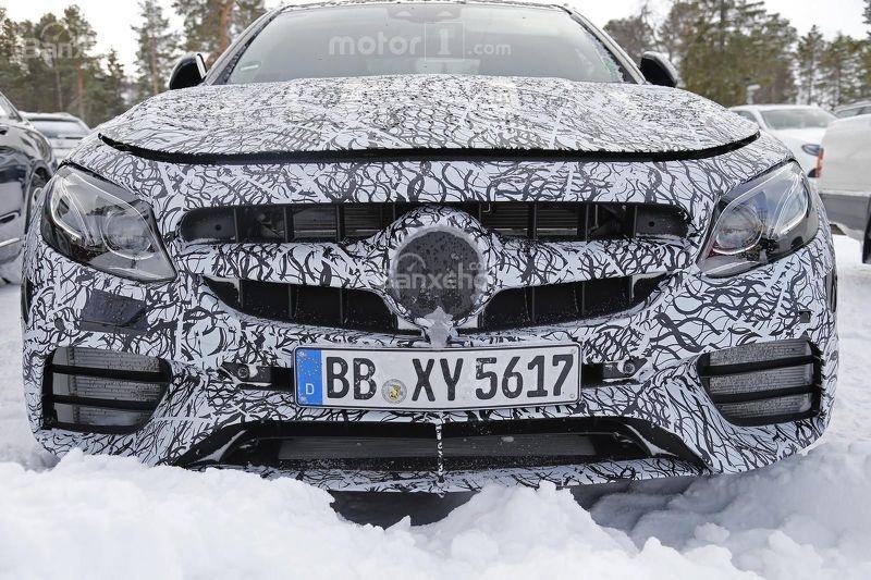 Soi chi tiết Mercedes-AMG E63 trên đường thử nghiệm 3