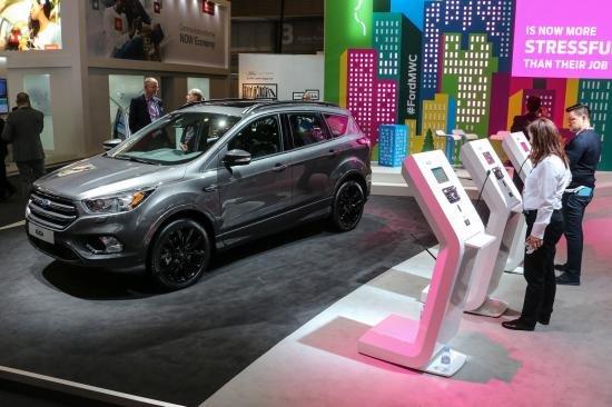 Ford Kuga 2017 ra mắt tại Triển lãm Mobile World Congress, Barcelona.