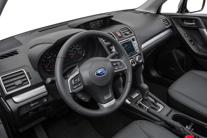 Nội thất Subaru Forester 2016.