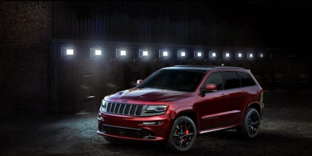 Jeep Grand Cherokee SRT Night được trang bị động cơ HEMI V8.