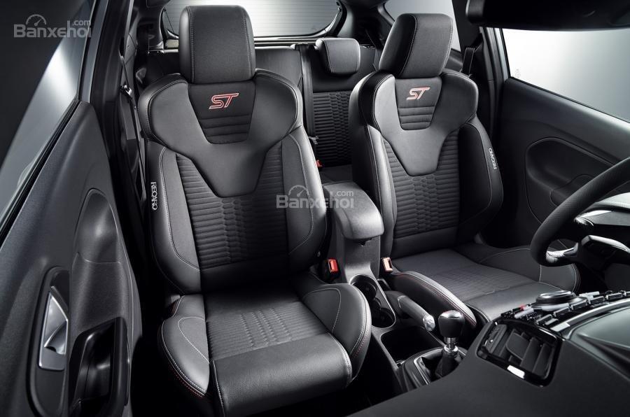 Ford Fiesta ST200 lộ diện trước thềm triển lãm Geneva 2016 7