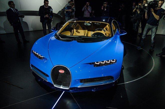 Bugatti Chiron chính thức trình làng tại Geneva 2016.