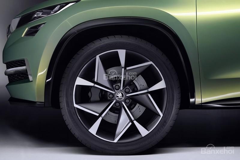 """Skoda VisionS concept: Tân binh SUV """"siêu"""" tiết kiệm 5"""