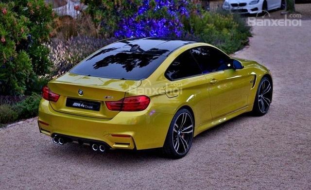 Đánh giá xe BMW M4 Competition Package 2016 phần đuôi 2.