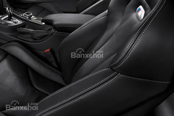 Đánh giá xe BMW M4 Competition Package 2016 phần nội thất 4.
