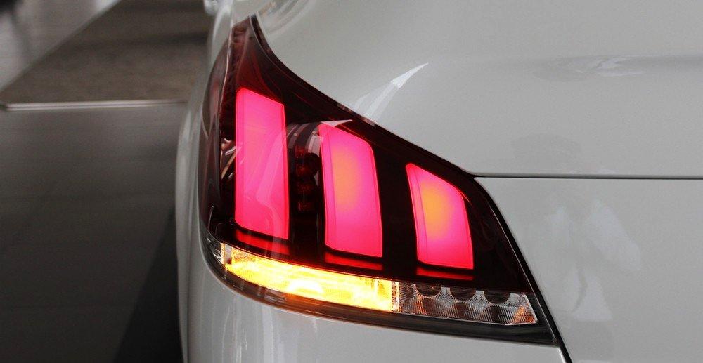 Đánh giá xe Peugeot 508 2015 phần đuôi 4.