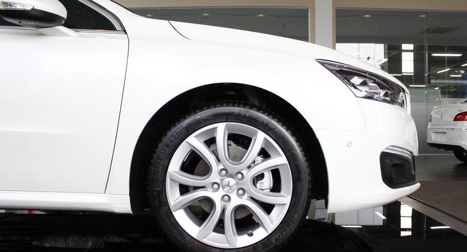 Đánh giá xe Peugeot 508 2015 phần thân 4.