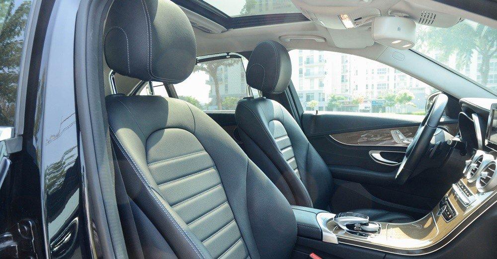 Đánh giá xe Mercedes-Benz C-Class 2015 phần nội thất 2.