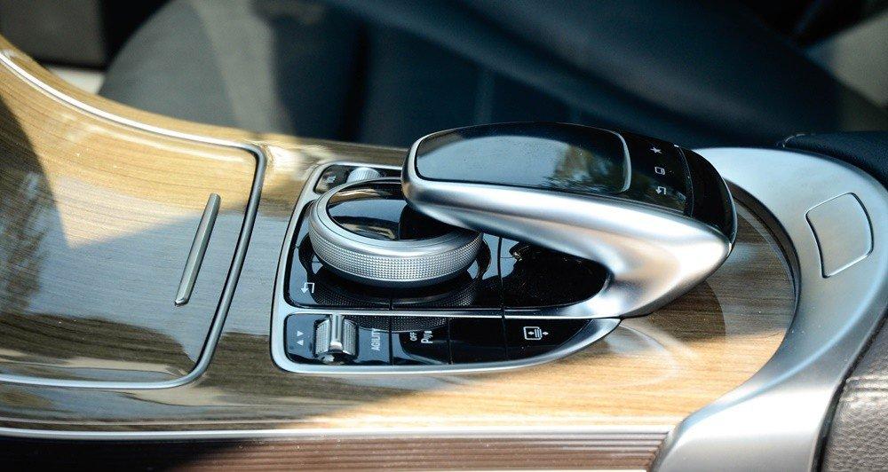 Đánh giá xe Mercedes-Benz C-Class 2015 phần tiện nghi 3.