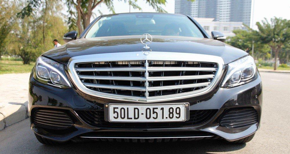 Đánh giá xe Mercedes-Benz C-class 2015 phần đầu 3.