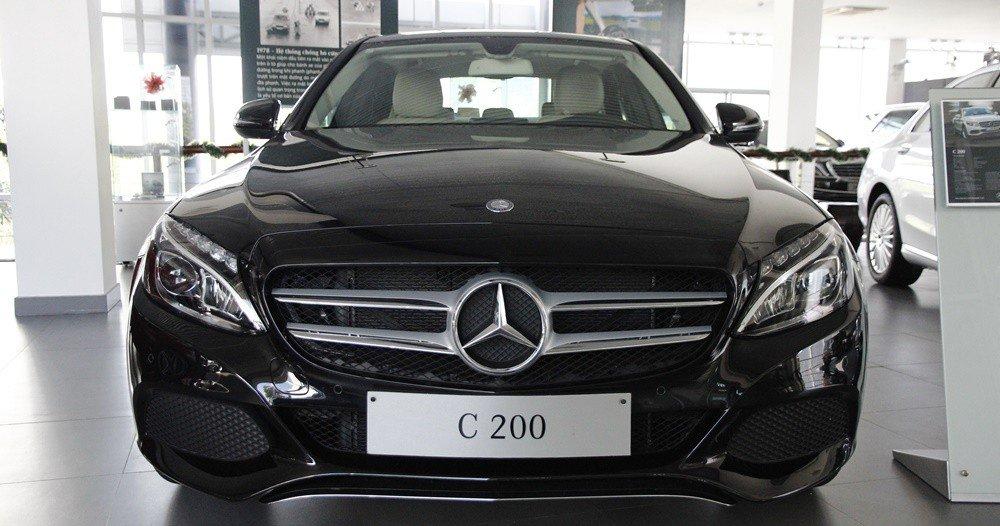 Đánh giá xe Mercedes-Benz C-class 2015 phần đầu 5.