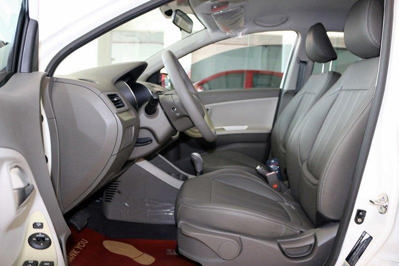 Đánh giá xe KIA Morning SI 2016 phần nội thất 2.