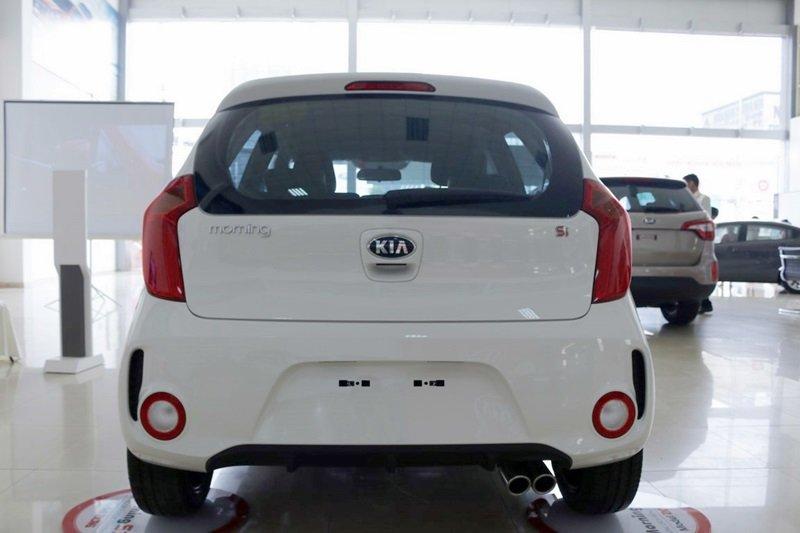 Đánh giá xe KIA Morning SI 2016 phần đuôi 1.