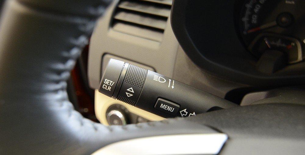 Đánh giá xe Chevrolet Colorado 2015 phần nội thất 7.