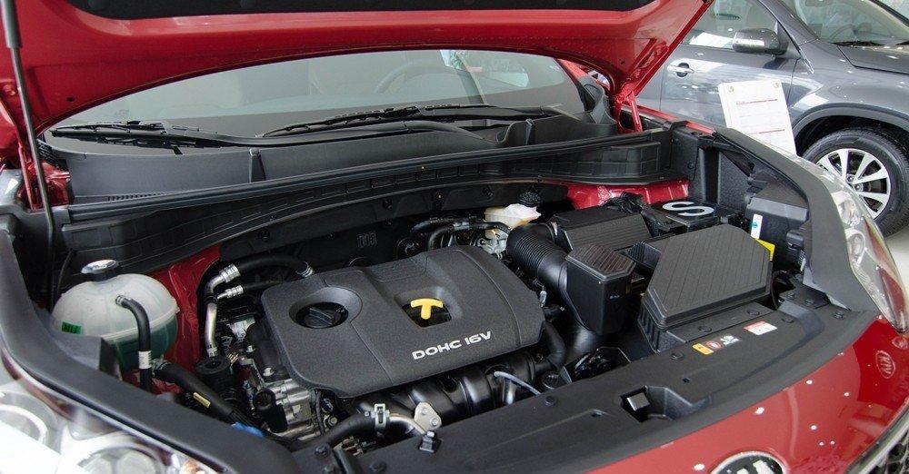 Động cơ của Kia Sportage 2016.