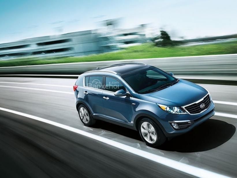 So sánh xe Kia Sportage 2016 và Hyundai Tucson 2016.