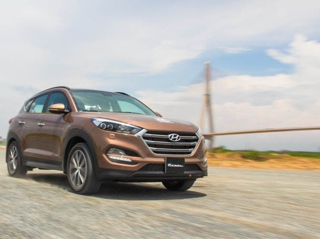So sánh xe Kia Sportage 2016 và Hyundai Tucson 2016 a.