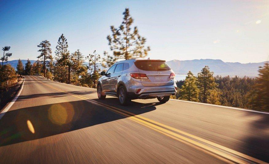 Đánh giá xe Hyundai SantaFe 2017 phần đuôi 2.