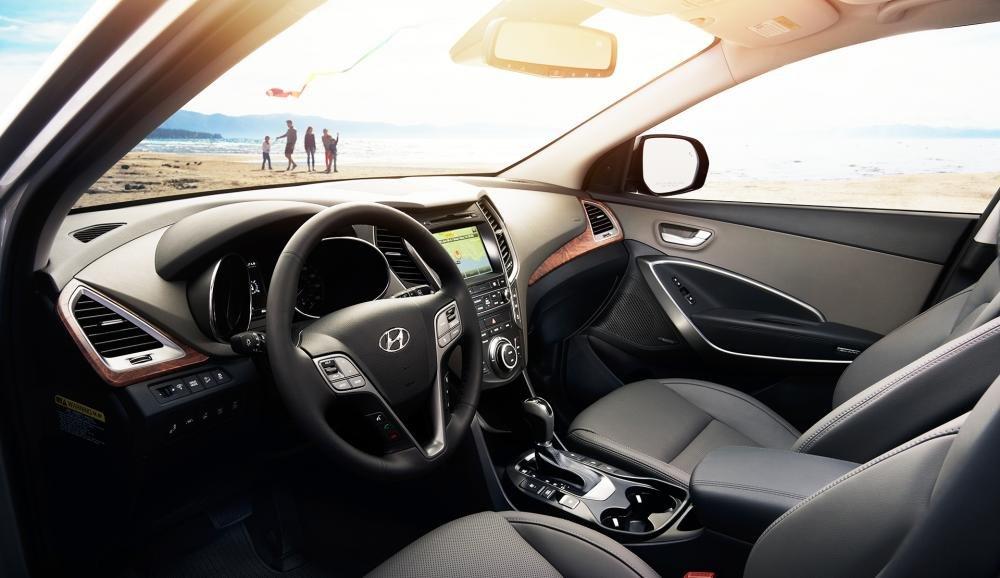 Đánh giá xe Hyundai SantaFe 2017 phần nội thất 1.