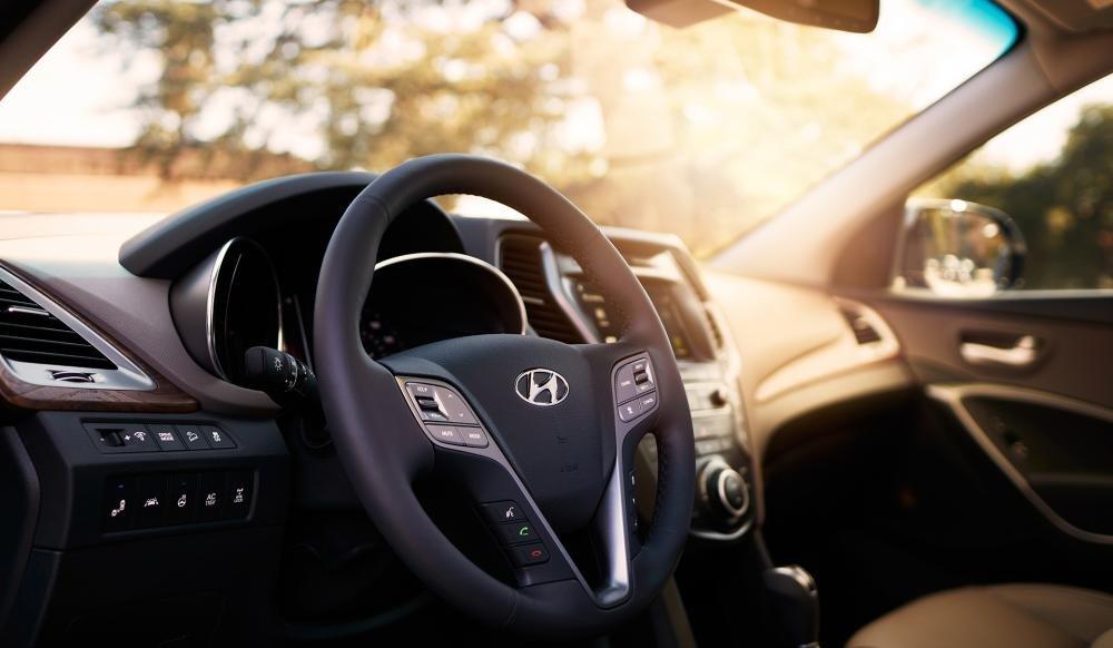 Đánh giá xe Hyundai SantaFe 2017 phần nội thất 3.