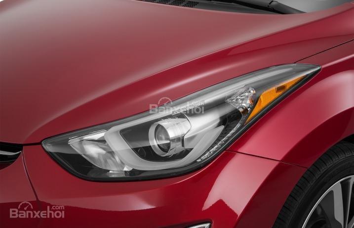 Đánh giá xe Hyundai Elantra 2016 phần đầu 4.
