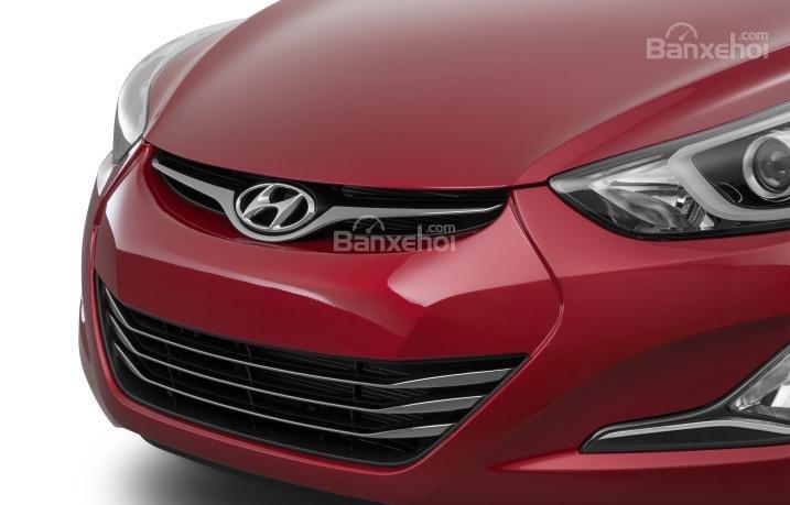 Đánh giá xe Hyundai Elantra 2016 phần đầu 3.