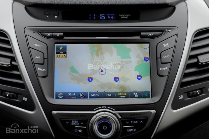 Đánh giá xe Hyundai Elantra 2016 phần tiện nghi 3.