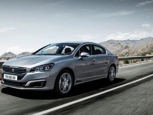 Peugeot 508 2015 đáng để những khách hàng thích sự mới lạ, hiện đại nhưng chất lượng cân nhắc.