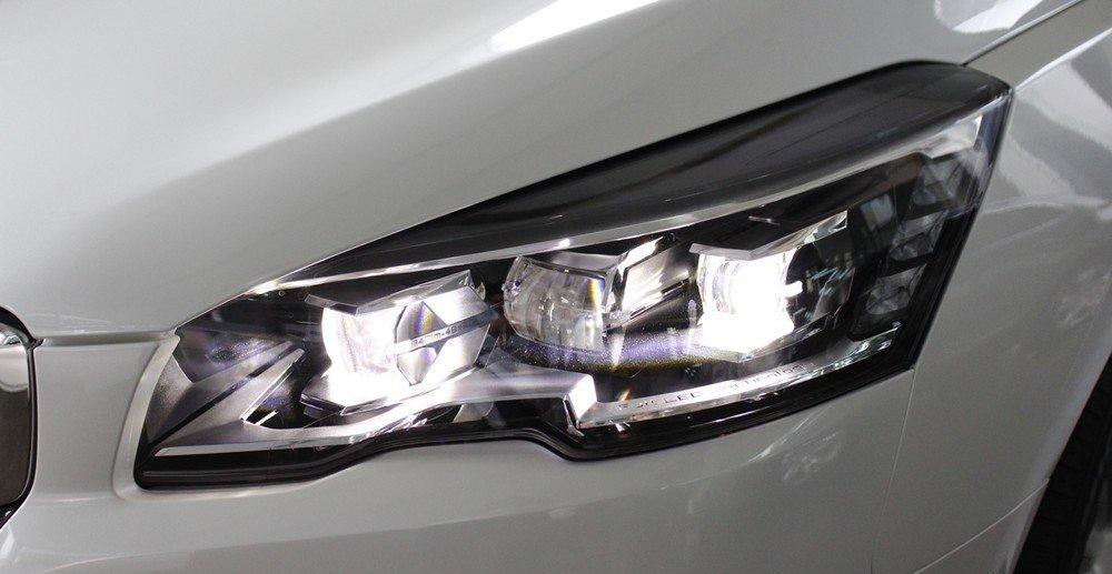 Peugeot 508 2015 được trang bị đèn pha tự động Full LED.