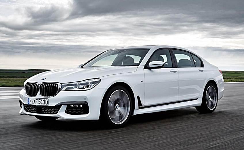 Đánh giá xe BMW 730Li có thân hình chắc chắn.